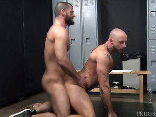 bear (gay) MenOver30 Jake Morgan's Cubby-hole Square footage Boner bareback (gay)